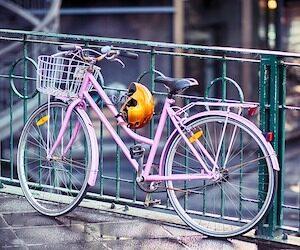 vélo et casque à vélo